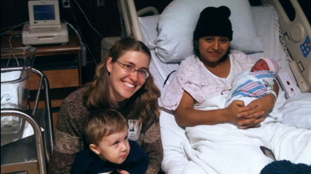 Mother Helps Woman Give Birth Despite Language Barrier