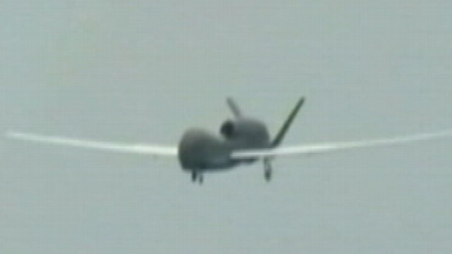 VIDEO: A jumbo jet pilot says he spotted a drone while landing in New York.