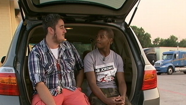 VIDEO: Aaron Arias and Jamal Harris witness womans call for help while stopped at a red light.