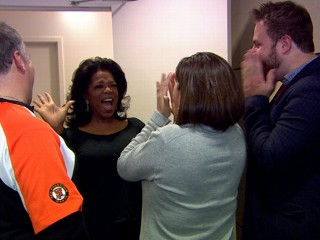 Watch: Oprah 'Photobombs' 'GMA' Audience