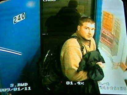 VIDEO: Marcus Schrenker caught on a motel security camera.