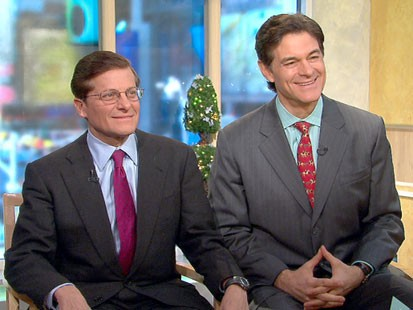 A picture of Doctors Mehmet Oz and Michael Roizen.