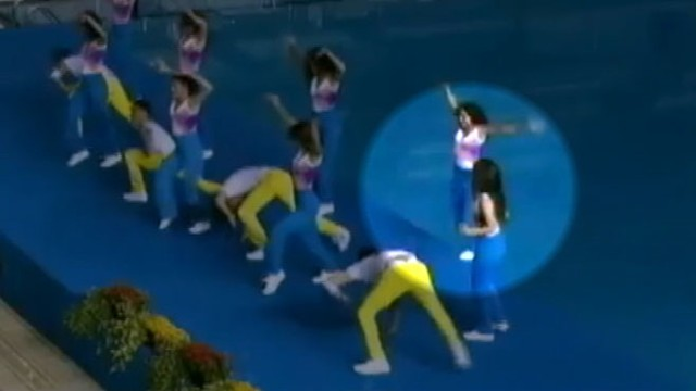 VIDEO: Cheerleader at the Pan American Games in Mexico fell in a swimming pool.