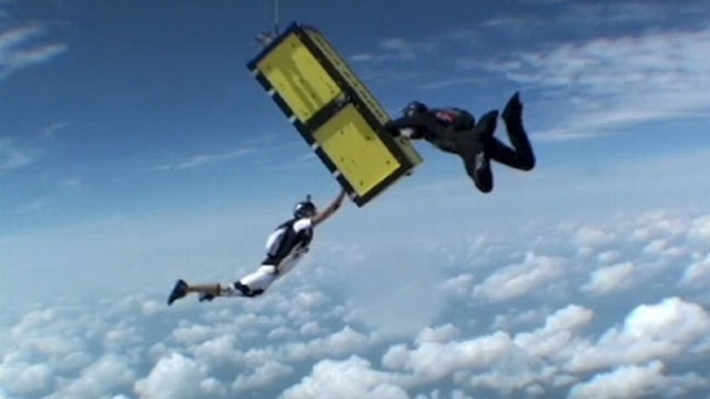 VIDEO: Escape artist Anthony Martin made his most daring escape while skydiving.