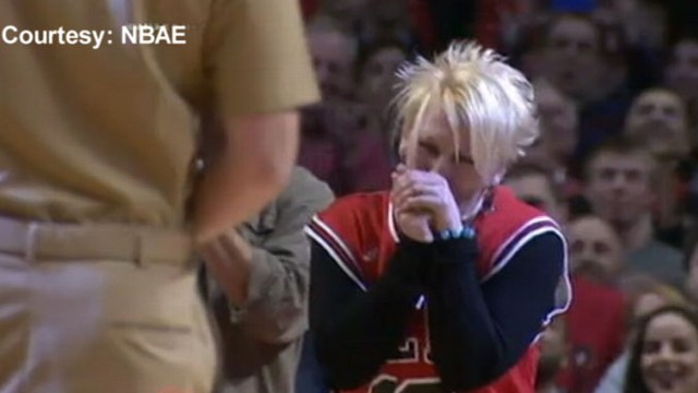 VIDEO: A Navy pilot gave his mom the surprise of her life.