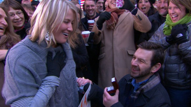 "VIDEO: ""Good Morning America"" fans watch as a young couple gets engaged."