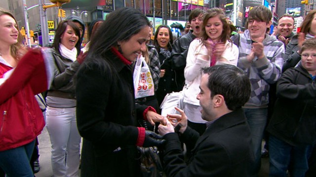 "VIDEO: Onlookers cheer as one ""GMA"" fan says yes to anothers wedding proposal."