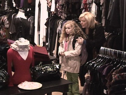 VIDEO: A Child Is Shoplifting, Do You Speak Up?