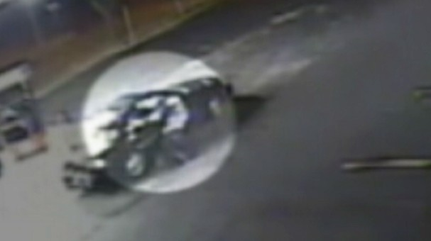 Video: Surveillance video catches attempted carjacking.
