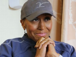 Watch: Robin Roberts' MDS Treatment Update: Leaving Hospital