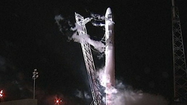 VIDEO: First non-NASA rocket was supposed to connect with International Space Station.