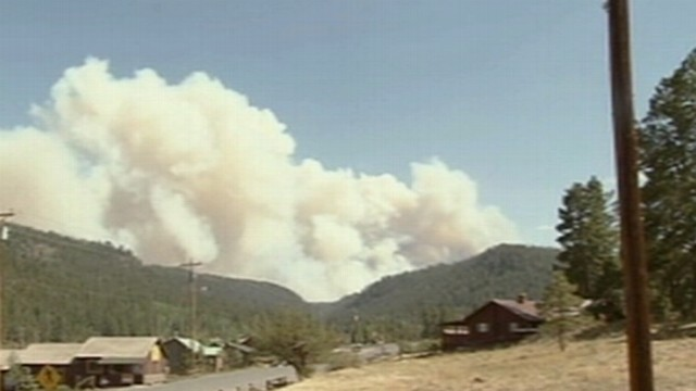 VIDEO: ABC News' Clayton Sandell reports on the fires growing in eastern Arizona.