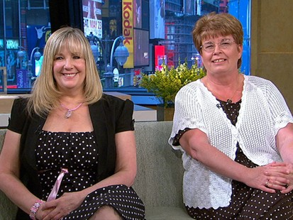 VIDEO: Hospital mistake led two women to grow up in the wrong families.