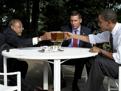 VIDEO: Obama, Biden Sit Down for Beers With Gates, Crowley