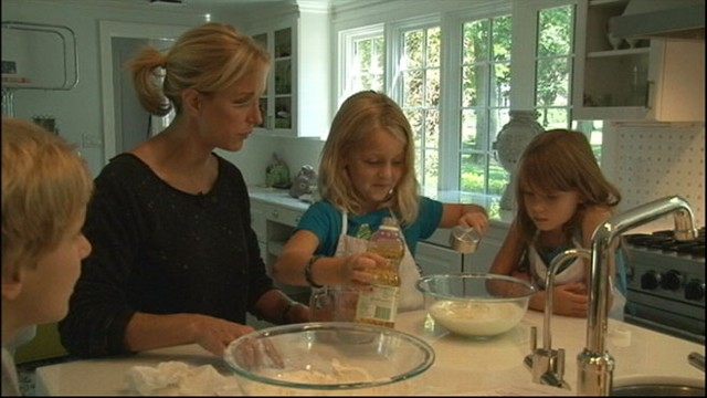 VIDEO:Ways to engage your children to learn how to cook. 