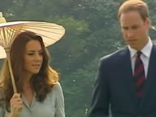 Watch: Kuala Lumpur Residents Marvel at 'Beautiful' Kate Middleton