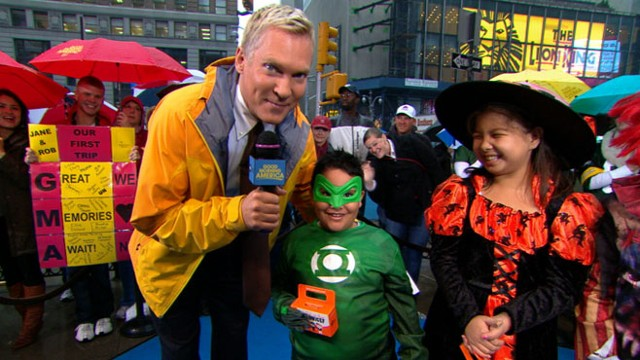 VIDEO: Sam Champion shows off kids great costumes and discusses donating to UNICEF.