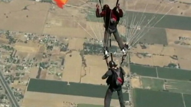 VIDEO: Police are investigating the deaths of a skydiving instructor and student, both from Iceland.