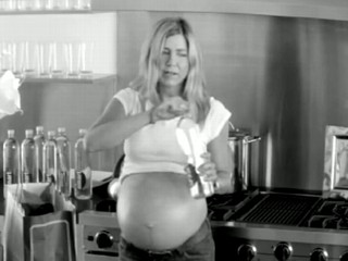 Watch: Jennifer Aniston Pokes Fun at Pregnancy Rumors in Viral Ad