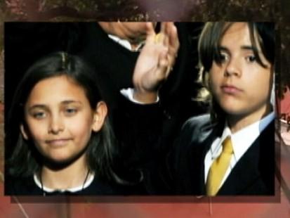 VIDEO: Michael Jacksons Kids Get Ready for School
