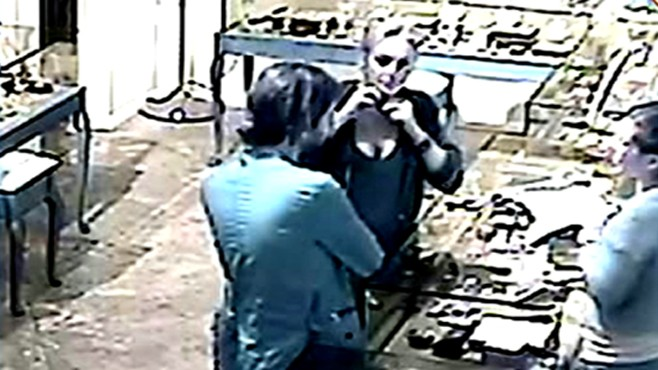 VIDEO: Venice beach jewelry store cashes in on surveillance footage of the actress.