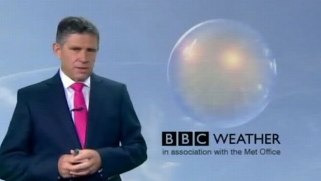 VIDEO: BBC forecaster says he?s sorry after ignoring computer weather models that predicted rain.