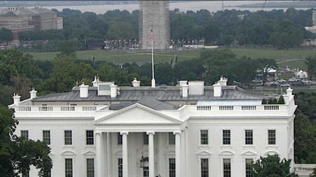 VIDEO: DC authorities assess possible mechanical-related smoke from inside White House.