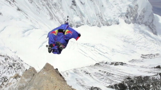 Video: Man Jumps Off Everest With Wingsuit