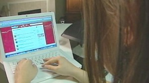 VIDEO: Twitter and other social networking sites become saving tools for the holidays.