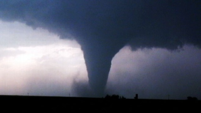Video: Tornado Chasers Catch Outbreak on Tape
