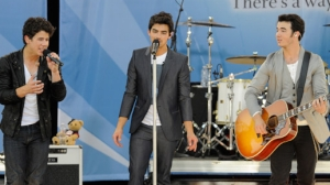 Jonas Brothers and Demi Lovato Kick Off GMA Summer Concert Series