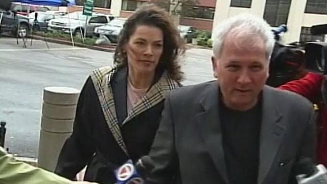 PHOTO:&nbsp;Nancy Kerrigan enters the courtroom with her lawyer, May 17, 2011.