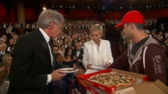 VIDEO: Ellen DeGeneres serves pizza during Oscars.