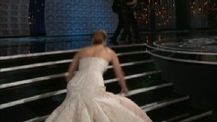 VIDEO: Jennifer Lawrence fell on her way to accept Oscar for Silver Linings Playbook.