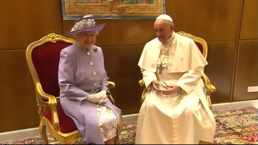 Queen Elizabeth Gives Pope Francis a Bottle of Whiskey - ABC News