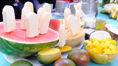 PHOTO: Daphne Oz's spicy fruit popsicle is the summer perfect snack. Try it today.