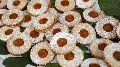 PHOTO:Carla Hall's pumpkin linzer cookies on &quot;Good Morning America.&quot;