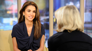 PHOTO  Diane Sawyer interviews Queen Rania of Jordan.