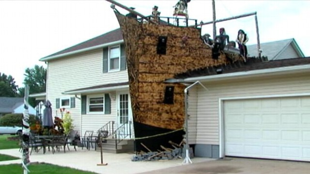 VIDEO: Halloween-themed display is a life-sized replica of a ship run aground.