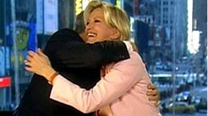 VIDEO: GMA co-anchors say goodbye to Charlie Gibson.