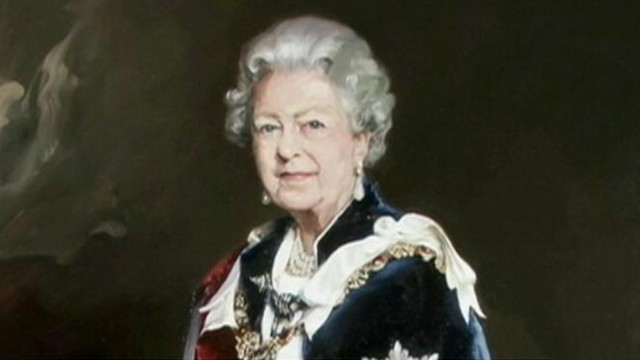 VIDEO: Nicky Philipps portrait of Queen Elizabeth II was unveiled to mixed reviews.