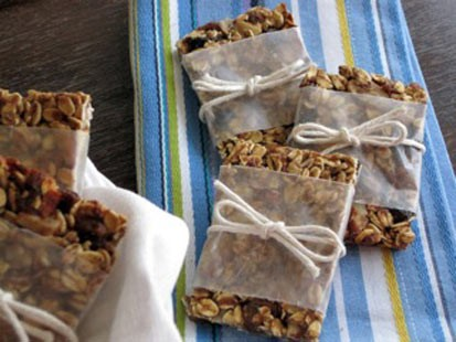 Chef Amy Green's straightforward recipe for chewy granola bars makes breakfast easy.