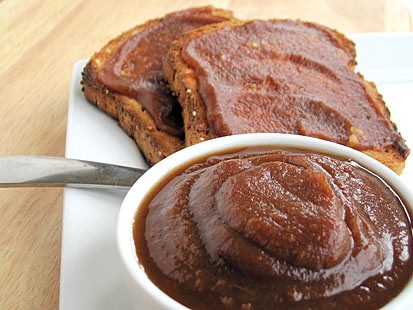 "PHOTO: Amy Green shares her recipe for apple butter with ""Good Morning America."""