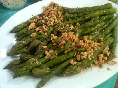 PHOTO:??Emeril?s Asparagus Salad with Walnut Oil