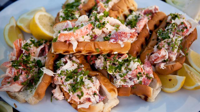 Classic Lobster Roll Recipe by Mark Gaier and Clark Frasier | Recipe - ABC News