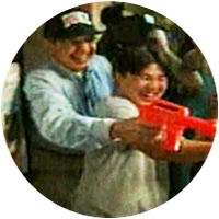 Charlie Gibson and Diane Sawyer Have a Water Gun Fight