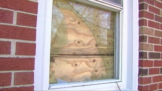 VIDEO: Police credit a girls 911 call with saving her family from a pair of intruders.