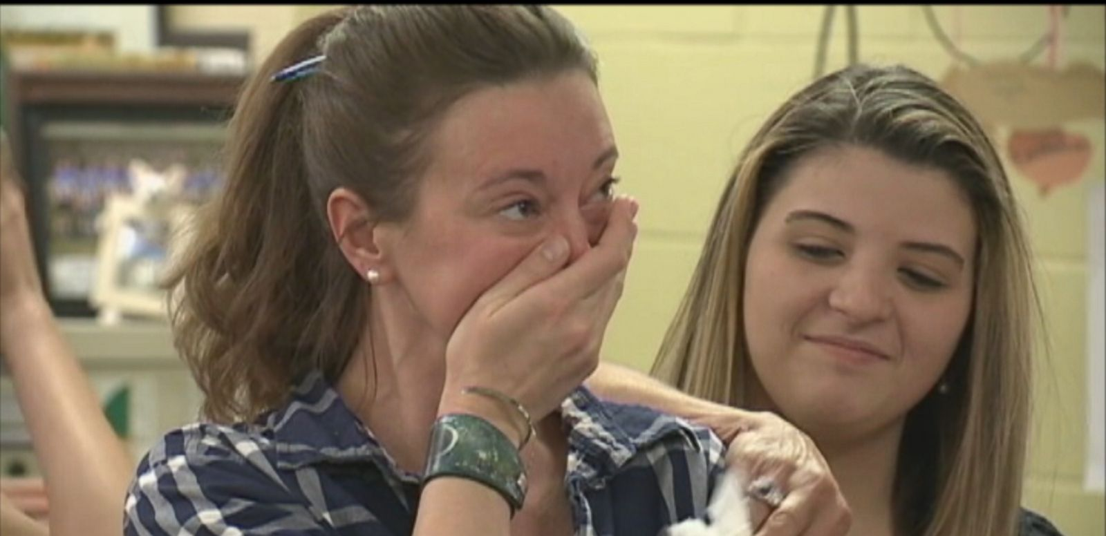 VIDEO: Students at a New Hampshire high school are donating class trip money to their principal who was recently diagnosed with cancer.