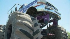 VIDEO: Big Trucks Pay Tribute to Toddler in Arizona