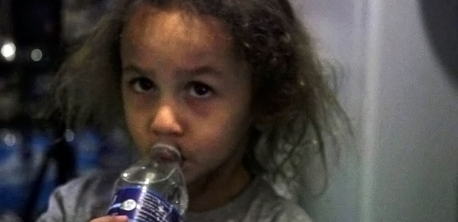 VIDEO: Flint Family of Seven Forced to Cook, Bathe With Bottled Water